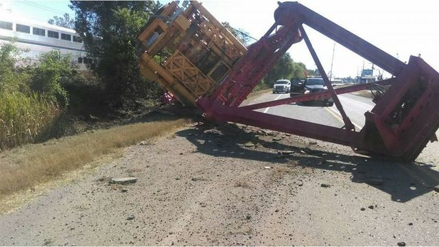 18-wheeler loses load on Hwy. 182 in St. Mary Parish