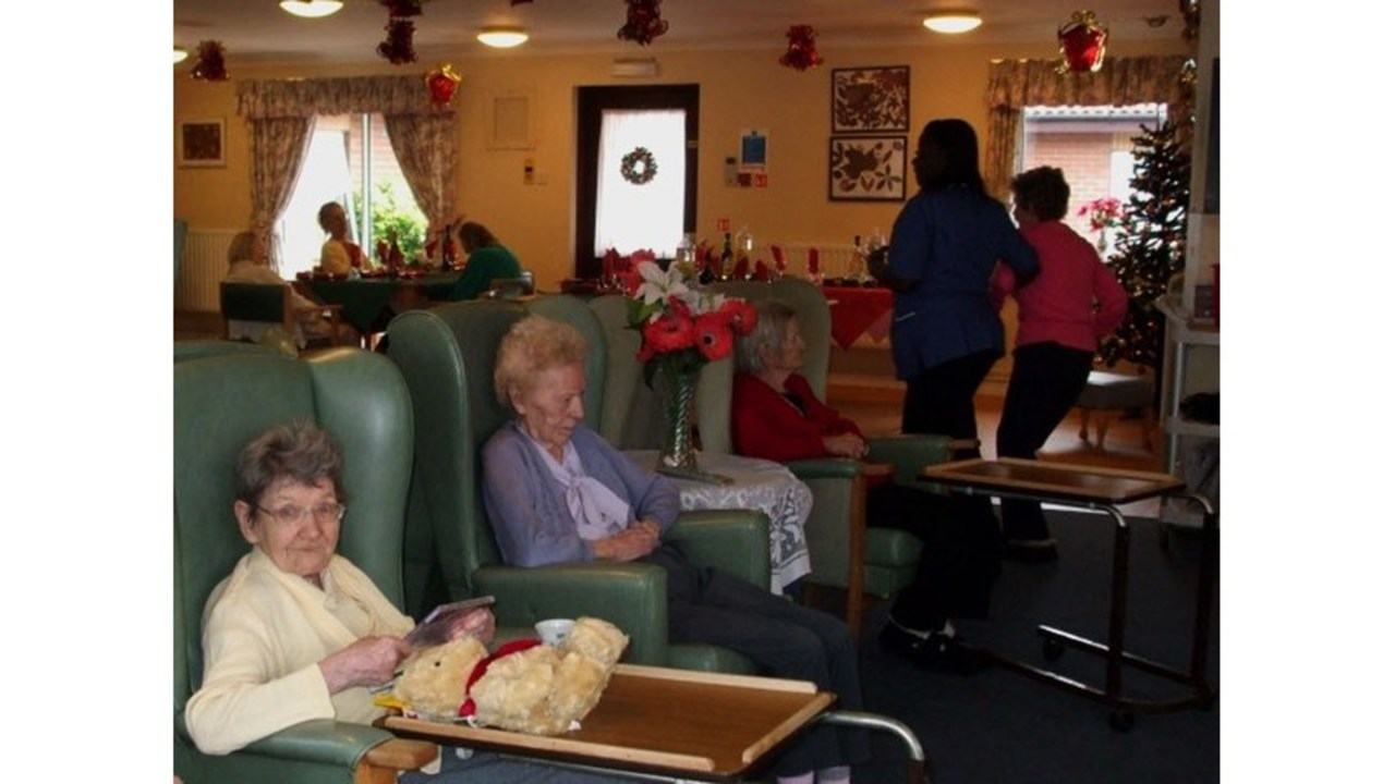 Two louisiana nursing homes would lose ac this summer if power goes out