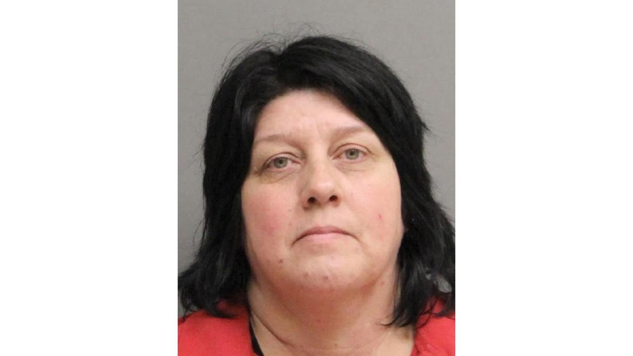 Louisiana woman accused of stealing more than $20k from nursing home